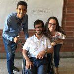 Eduardo Frontado con estudiante UCAB